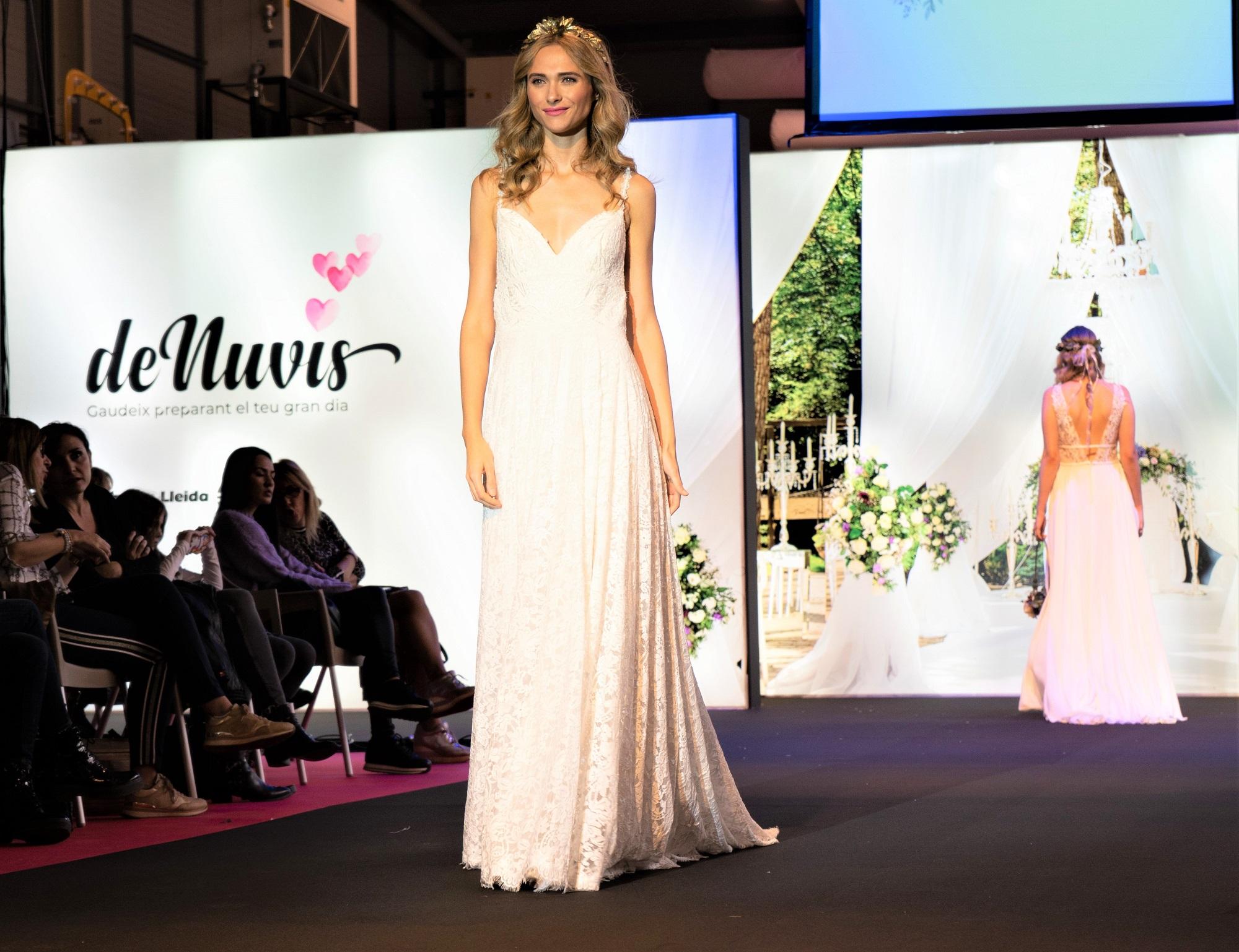 DeNuvis: glamour, negoci i espectacle